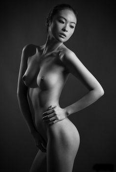 http://morsures-damour.tumblr.com/post/102372502862/spielvogel-by-adolfo-gosalvez