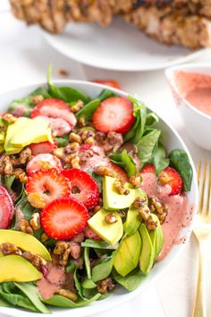 10 minutes to this delicious, healthy and filling strawberry spinach salad. A twisted version of the original that packs a hearty punch!