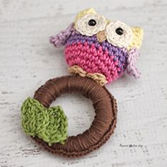 owl ring baby toy. Download this free pattern at allcrochetpatterns.net