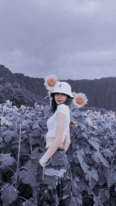 Discover recipes, home ideas, style inspiration and other ideas to try. J Pop, Blackpink Photos, Poses For Photos, Kpop Aesthetic, Pink Aesthetic, Cartoon Pics, Cute Cartoon, Kim Jennie, Dance Music