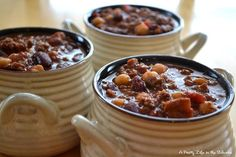 Chili is one of the best dinners around! It's easy to make, it's filling, delicious and so versatile! Serve it with homemade cornbread or rice, and dinner is fabulous!  On a side note, how great are these bowls?! (Crate & Barrel)  A perfect dinner on a cold winters night, or when camping!  …