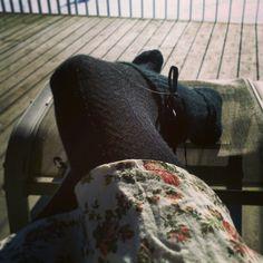 Sitte ute i sommerkjole og solskinn mens resten av verden har skole. Helt ok #sunshine #summerdress #sun #norway #spring #warm #noschool #Padgram