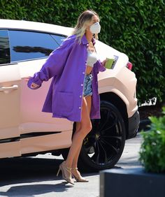Hayley Bieber, Cool Outfits, Fashion Outfits, Womens Fashion, Hailey Baldwin Style, Models Off Duty, Celebs, Celebrities, Get The Look