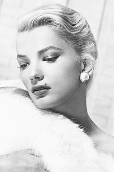 Gena Rowlands, can't believe this is Laura Dern's mother Old Hollywood Stars, Old Hollywood Glamour, Hollywood Actor, Vintage Hollywood, Classic Hollywood, Divas, Gena Rowlands, John Cassavetes, Glam Slam