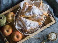 Schnelle Apfeltaschen – So geht's! – Patricia's Abenteuerkekserl Dessert, Bakken, Simple, Deserts, Postres, Desserts, Plated Desserts