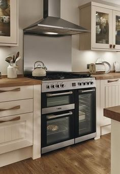 Leisure Stainless Steel Range Cooker and Lamona Stainless Steel Chimney Extractor