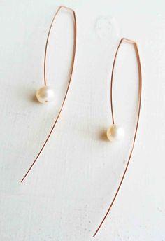 Moon Earrings / Crescent Moon Diamond Earring Studs in Gold/ Crescent Moon Earrings / Moon Gold Earrings / Mini Studs Earrings - Fine Jewelry Ideas Wire Earrings, Crystal Earrings, Sterling Silver Earrings, Stud Earrings, Pearl Drop Earrings, Silver Ring, Minimalist Earrings, Minimalist Jewelry, Pearl Jewelry