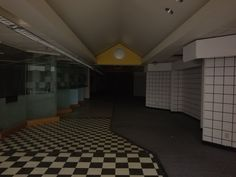 🌚Images with Elegiac Auras🖤 (@elegiac_images) / Twitter Im Losing My Mind, Lose My Mind, Dead Malls, Weird Dreams, Empty Spaces, Grunge Style, Vaporwave, Abandoned Places, Look Cool