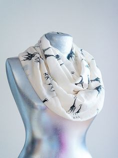 Want a scarf, I don't have 1. my clothes need an update. Love the pattern.