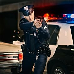 Poliziotto (m) (Police Officer, Cop) Police Cops, Police Life, Police Officer, Police Lives Matter, Los Angeles Police Department, Hot Cops, Security Guard, Men In Uniform, Thin Blue Lines