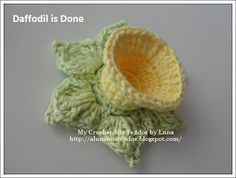 My Crochet, My Fabric: Daffodil - Granny with Daffodil Flower for The Sibol Group and Tutorial / square of the grandmother with a daffodil flower.