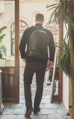 Out into the city with the black leather 2Face Backpack. Only 16 days left of our project on the kickstarter crowdfunding platform https://www.kickstarter.com/projects/740337841/2face-backpack #bag #backpack #men #fashion #style #leather #design