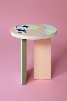 Design forward and beautiful lowtable for your home interior. Nortstudio and Studio Proba have joined forces to create a collection of one-of-a-kind tables that reflect their mutual passions for vibrant color, unique composition, and high-quality craftsmanship. Furniture that adds value to every modern and contemporary home and interior. #sidetable #coffeetable #lowtable #furnituredesign Contemporary Furniture, Contemporary Design, Geometric Form, Low Tables, Bright Colors, Lighting Design, Composition, Furniture Design, Studio