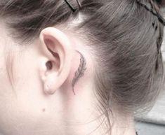 Inspiração de um lugar delicado pra sua próxima tattoo: atrás da orelha! — Depois Dos Quinze