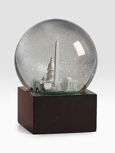 Washington, DC Snow Globe   #momselect #yoursantastory (#4)