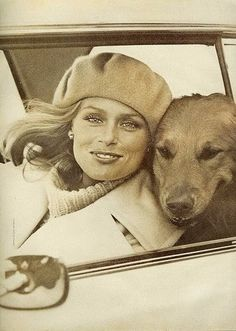 Lauren Hutton with Golden Retriever dog. Photo by Richard Avedon, c. Lauren Hutton, Lauren Bacall, Linda Evangelista, Christy Turlington, Timeless Beauty, Classic Beauty, Richard Avedon, Kate Moss, Mannequins