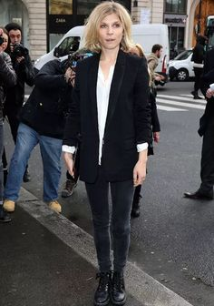 Clemence Poesy Photos Photos - Clemence Poesy attends the Stella McCartney show as part of the Paris Fashion Week Womenswear Fall/Winter on March 2014 in Paris, France. - Stella McCartney : Outside Arrivals - Paris Fashion Week Womenswear Fall/Winter Fashion Week Paris, Winter Fashion, Style Casual, Casual Chic, My Style, Trendy Style, Casual Blazer, Clemence Poesie, Moda Do Momento