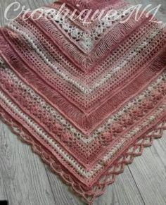 So chique shawl part one! Join the  Facebookgroup  for help, updates and showing off! Materials: Crochet hook 3mm/ Ruler (1,2...