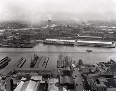 View looking west from AWA Tower in York Street down Erskine Street to ferry… Paris Skyline, New York Skyline, Australian Photography, Order Of The Day, York Street, Back In Time, Historical Photos, The Locals, Sydney