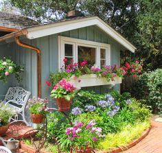 CARMEL BY THE SEA: Cottages, Gardens