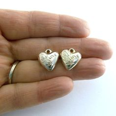 Hey, I found this really awesome Etsy listing at https://www.etsy.com/listing/220686470/beads-2-silver-metal-puffy-heart-charms