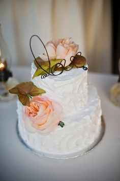 Beautiful and simple, we're loving this elegant wedding cake! Check out that modern cake topper! {Mollie Jane Photography}