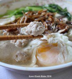 Mee Hoon Kueh (Hand Pulled Noodles)