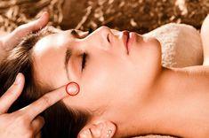 Shiatsu Massage – A Worldwide Popular Acupressure Treatment - Acupuncture Hut Acupressure Therapy, Acupressure Massage, Acupressure Points, Acupuncture Benefits, Eyes Problems, Headache Remedies, Migraine, Health Care, Health Tips