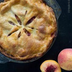 bulgur s cizrnou (pilaf) Apple Pie, Food, Bulgur, Meal, Essen, Apple Pies, Hoods, Meals, Apple Cakes