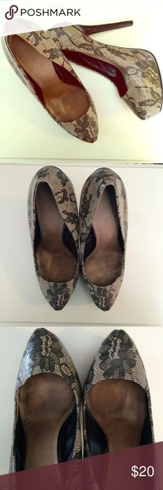 Aldo Pumps Previously loved pumps! Great for a night on the town! These elegant shoes are looking for a new home! Have signs of wear on the inside sole (see picture) Aldo Shoes Heels