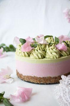 Healthy Vegan Dessert, Raw Vegan Desserts, Vegan Dessert Recipes, Vegan Treats, Raw Food Recipes, Health Desserts, Vegetarian Recipes, Best No Bake Cheesecake, Raw Cheesecake