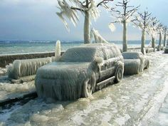 Antalya da böyle bir kışolsa Antalya ne olur acaba? Konyaaltına sahiline benzer bir görüntü
