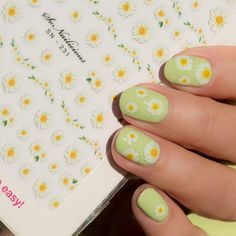 Garden Nail Stickers - 231 XXL Series Cute Daisy nails with Daisy nail art stickers from SoNailicious Boutique Cute Daisy nails with Daisy nail art stickers from SoNailicious Boutique Lily Nails, Rose Nails, Tulip Nails, Summer Acrylic Nails, Best Acrylic Nails, Summer Nails, Daisy Nail Art, Nail Art Flowers, Pastel Nail Art