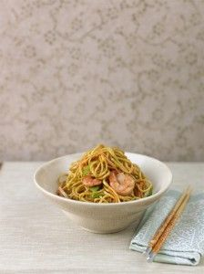 Gok Wan reveals an easy way to change a stodgy takeaway dish into a delicious, healthy and fresh dinner. Here's how to cook up his Prawn chow mein!