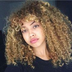 •Natural curly hair• pinterest: @evellynlouyse ♕♡