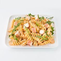 La Sincère : pâtes, sauce au fromage de chèvre et confit de tomate séchée, mini involtini