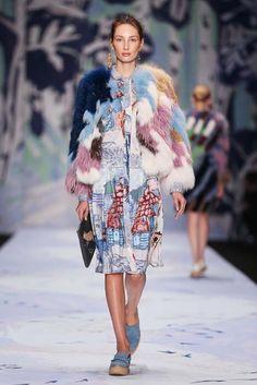 Alena Akhmadullina collezione donna Autunno Inverno 2015-2016 alla Mercedes-Benz Fashion Week http://modainpasserella.blogspot.it/2015/03/alena-akhmadullina-collezione-donna-fw.html #AAkhmadullina #womenswear #FW2015