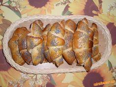 Výborné domácí loupáčky Czech Recipes, Home Baking, Pavlova, Dumplings, Program, Goodies, Cooking Recipes, Favorite Recipes, Bread