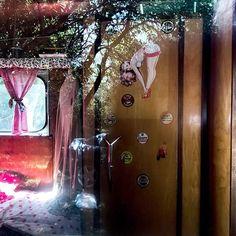 #jmvoge #shadow  #light #nomad #enjoylife #dream #photooftheday #mystery  #travel #meeting #vision  #texture #line  #mystery #fubiz #reflexion #traveler #sixtiesstyle #sixtiesfashion #caravan #ontheroadagain #pinupgirl Mystery Travel, On The Road Again, Sixties Fashion, Jean Michel, Pin Up Girls, Caravan, Neon Signs, Texture, Painting