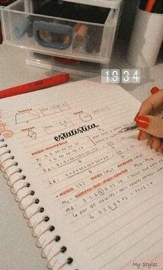 School Organization Notes, Study Organization, School Notes, Bullet Journal School, Bullet Journal Writing, Life Hacks For School, School Study Tips, Pretty Notes, Good Notes