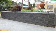 1364428834_retaining wall.JPG (800×450)