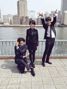 本日10月29日(日)に放送されるスペシャルドラマ『BORDER 贖罪』。2014年に放送され、とてつもない衝撃と謎を残して幕を下ろしたドラマ『BORDER』のラストシーンのその先の物語が、3年の時を経てついに明らかになる。 ©テレビ朝日そんな同作の主人公は、頭部 Shun Oguri, Great Teacher Onizuka, Sag Ja, Aesthetic Japan, Types Of Guys, Famous Movies, Body Reference, Types Of Photography, Life Is Strange
