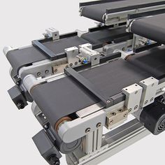Montech AG is continually moving forward and always striving to improve our products. We are specialists in belt conveyors for the automation of transport systems, assembly and manufacturing processes. Conveyor System, Diy Robot, Puffer, Montage, Transportation, Tech, Log Projects, Top Hats, Technology