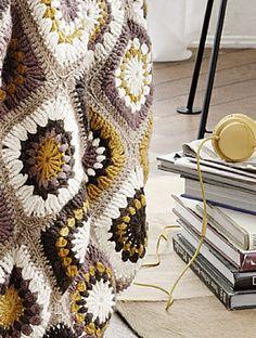 Ravelry: Granny Square Afghan / Häkeldecke pattern by Initiative Handarbeit