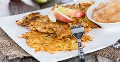 Apple & oat fritters Superfood, Potato Fritters, Pizza, Cooking With Kids, Risotto, Curry, Pork, Sweets, Pancake