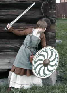Una sajona defendiendo la casa/la familia contra otro' de origen germánico, como lo' normano'....