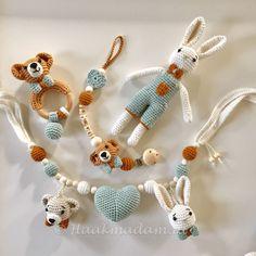Crochet Toys Baby Toys Baby Blankets Amigurumi Miniatures Chrochet Crochet Dolls Baby Giveaways Knitting And Crocheting Crochet Baby Boots, Knitted Baby Clothes, Knitted Hats, Baby Set, Crochet Patterns Amigurumi, Crochet Toys, Newborn Knit Hat, Kids Headbands, Baby Boy Knitting