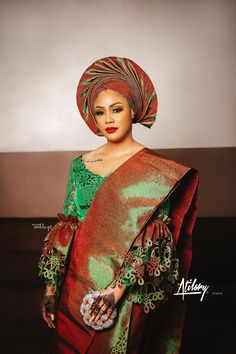 Nikki and Nefe's traditionally tied the knot in a showstopping Delta-Igbo celebration and fully displayed the beauty of the culture Nigerian Bride, Nigerian Weddings, African Fashion Dresses, African Dress, African Clothes, Lace Dress Styles, Nice Dresses, Muslim Wedding Gown, Igbo Bride