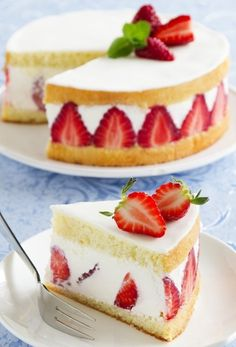 pastry made with strawberries, sponge cake, cream and often covered with a thin layer of marzipan (mostly pink). Köstliche Desserts, Delicious Desserts, Yummy Food, Food Cakes, Cupcake Cakes, Cupcakes, Bolo Fresco, Sweet Recipes, Cake Recipes