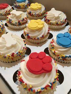 Pata de patrulla Cupcake Toppers Pastillaje por MilkandHoneyCakery
